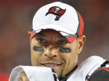 Former NFL Wide Receiver Vincent Jackson Found Dead in a Hotel