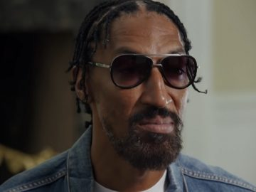 """People Are Saying Scottie Pippen Is Looking """"Real Unfamiliar"""" In The Luc Longley Documentary"""