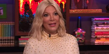 Tori Spelling Gets a New 'Kardashian' Face and Nobody Can Believe It's Actually Her